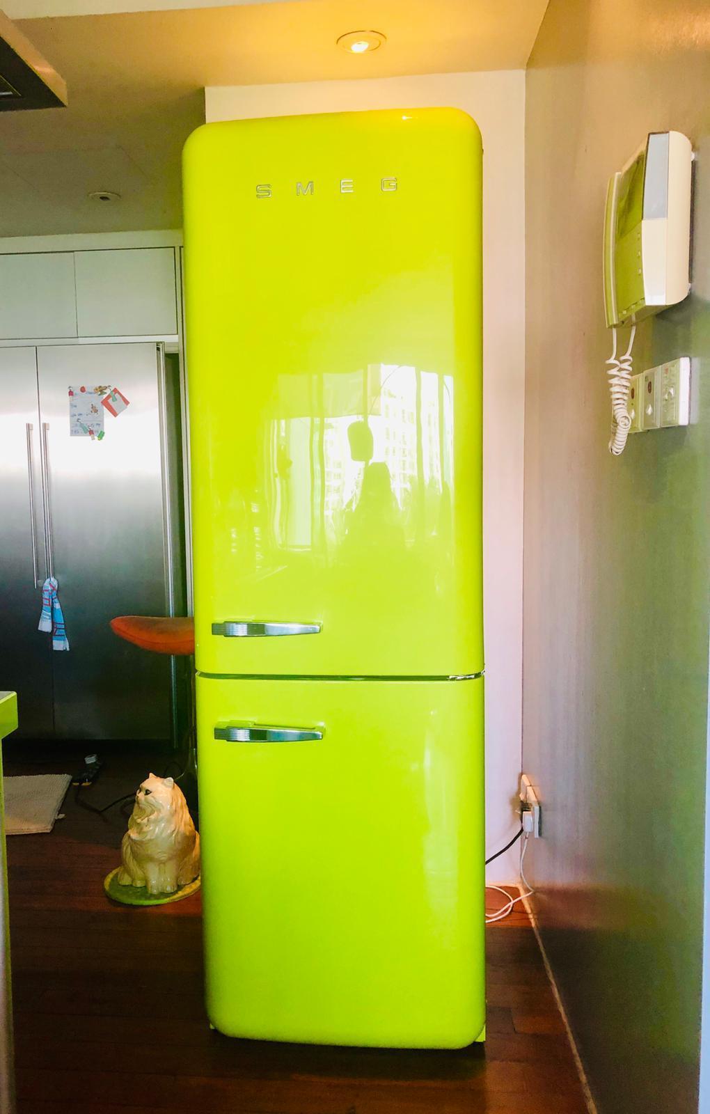 smeg_fridge_fab32_retro_fridge_lime_green_by_born_in_colour_singapore_furniture_online