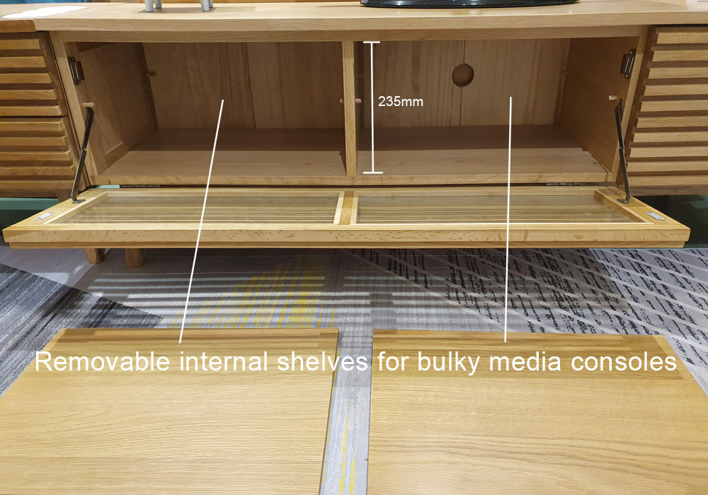 Linje_Oak_TV_Console_Internal_without_compartments
