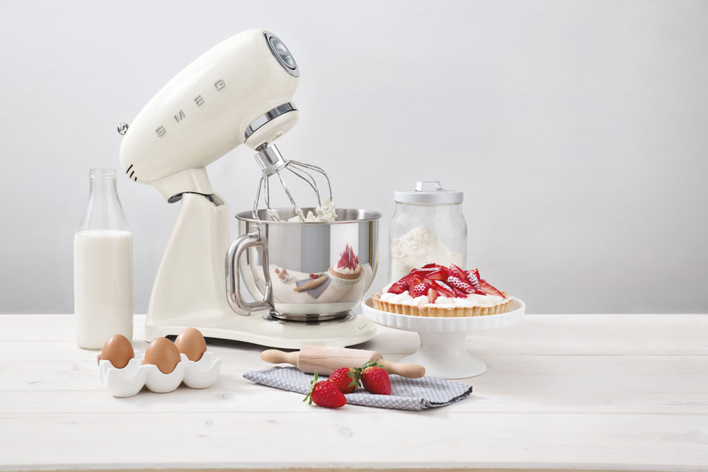 smeg_full_colour_stand_mixer_by_born_in_colour
